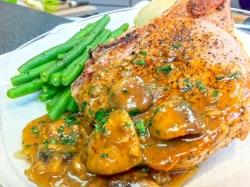 Pork Chops with White Wine & Mushroom Sauce Recipe